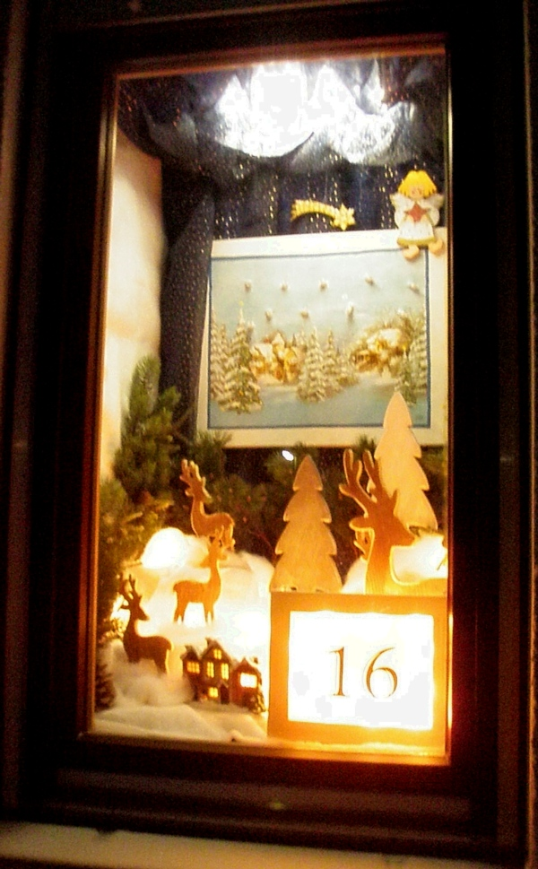 Christmas window decorated by Maria and Rudi Hertel, Kellmuenz