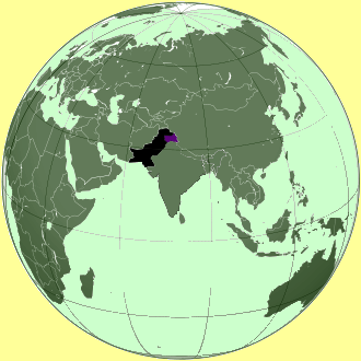 map of Pakistan in South Asia, with the Indus river. The flood in Pakistan shows how climate change affects humans and all living beings